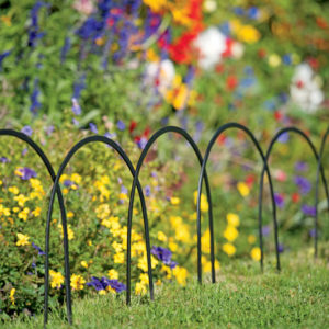 8592689_4538_stratford-edge-irons-set-of-4-garden-border-fence